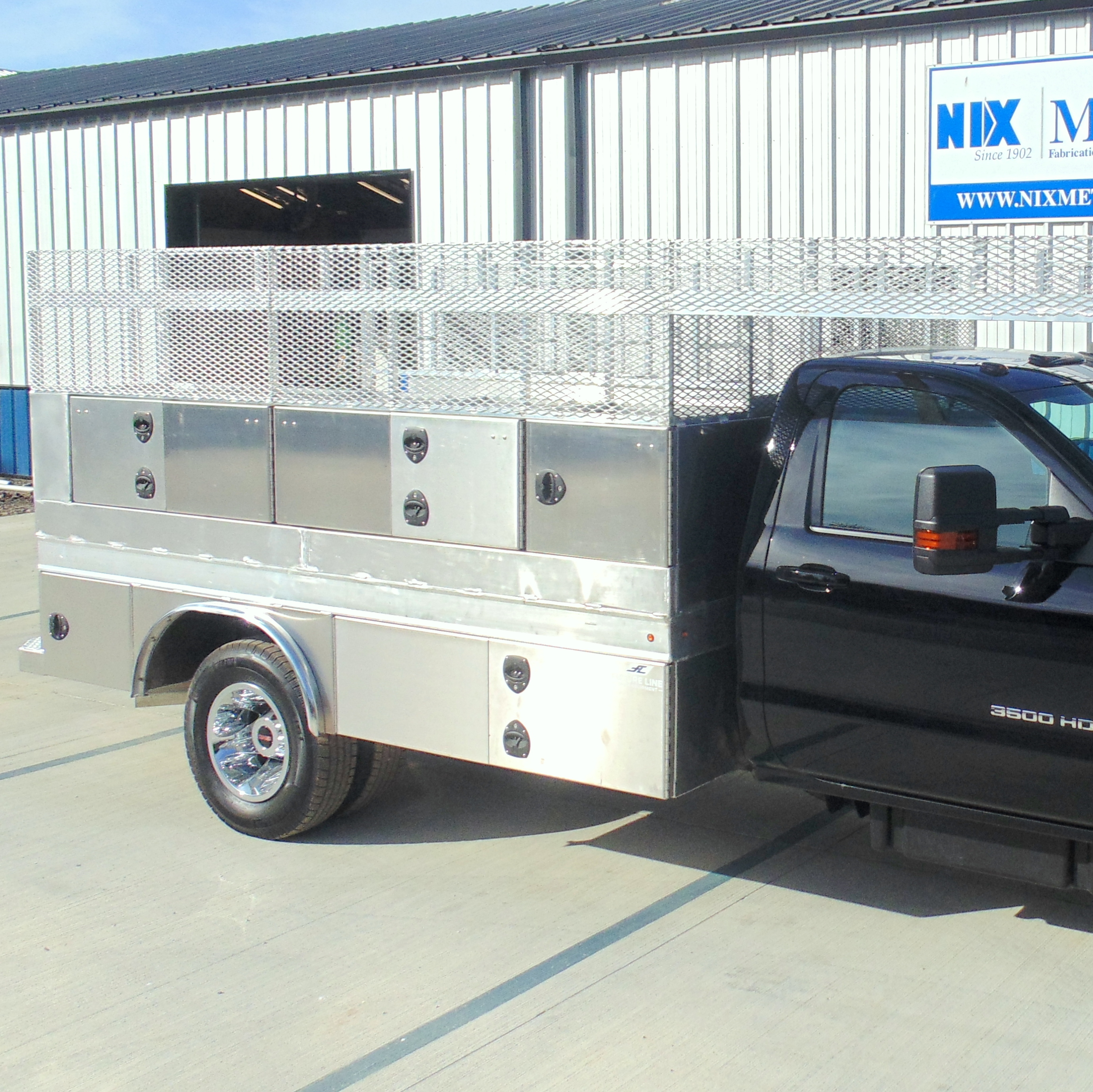 Truck Builds, Modifications & Bed Swaps | Nix Equipment